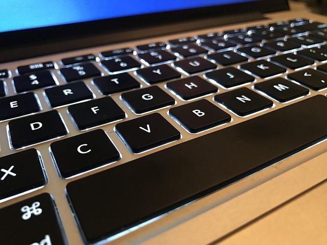 klávesnice, podsvícení