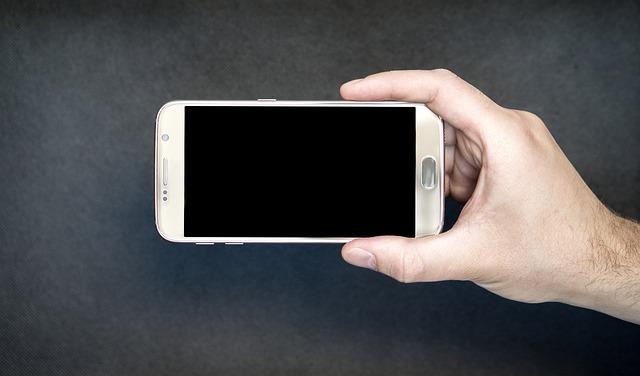 obrazovka smartphone.jpg