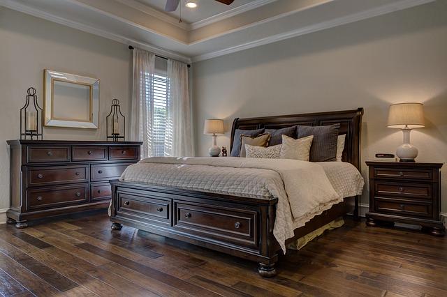 postel masivní