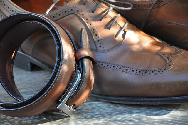 pásek a boty